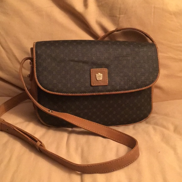 1dc63511ab4 Paolo Gucci crossbody Bag. M 5ab59bf7caab44a424f9ab07